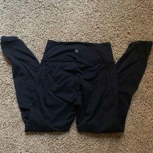 lululemon black leggings w/ mesh on the sides